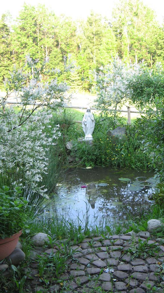 Mother Mary Pond_12221710695_l