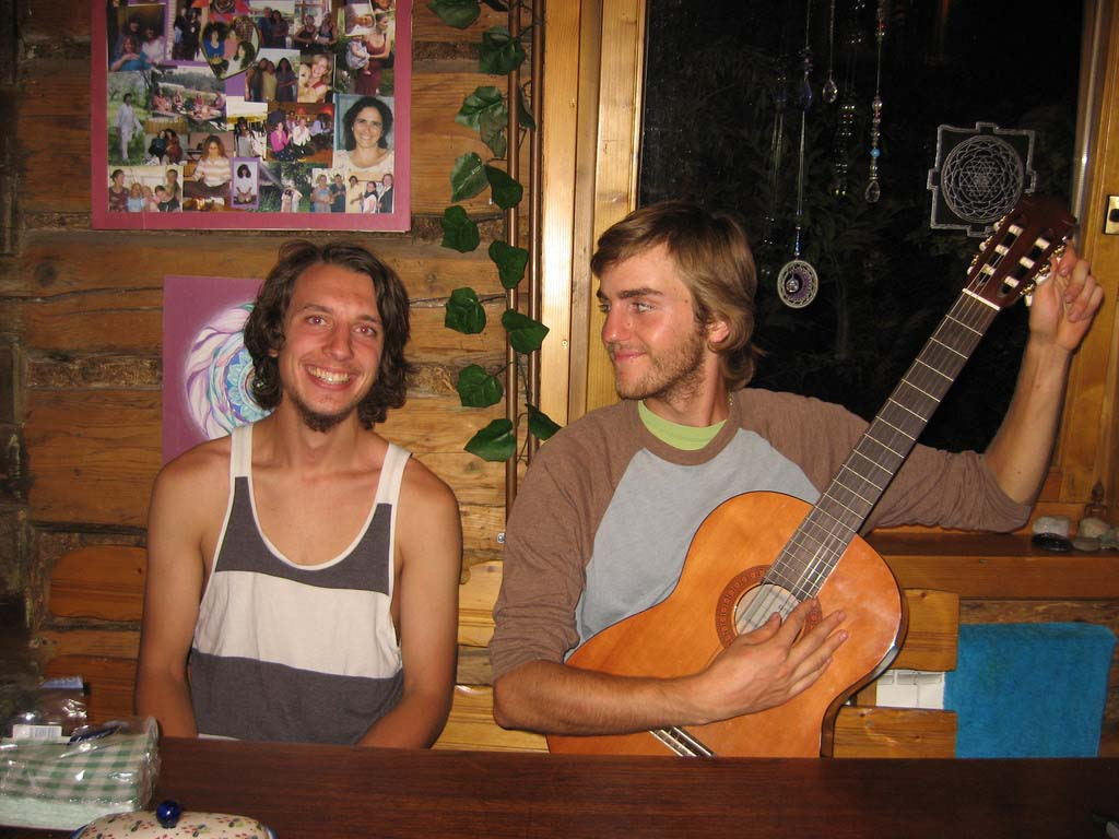 Ryan and Taylor_12222523105_l