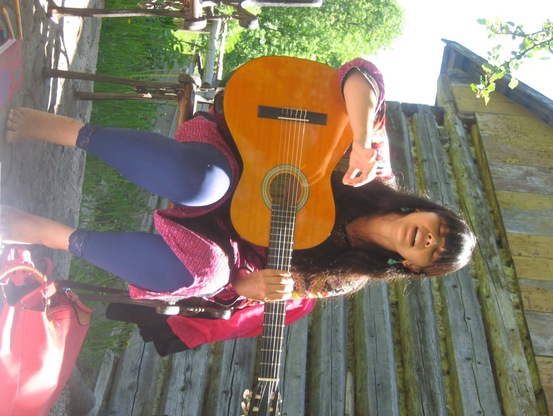 Suwindi sings 12221316034